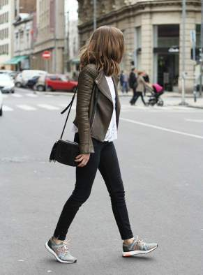 how-to-wear-a-doma-leather-jacket14